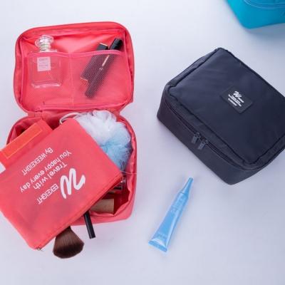 《WEEKEIGHT》簡約素面手提多功能防震化妝包/盥洗包/配件收納包