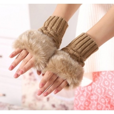 《JMALL》韓版時尚短款仿兔毛毛絨手套