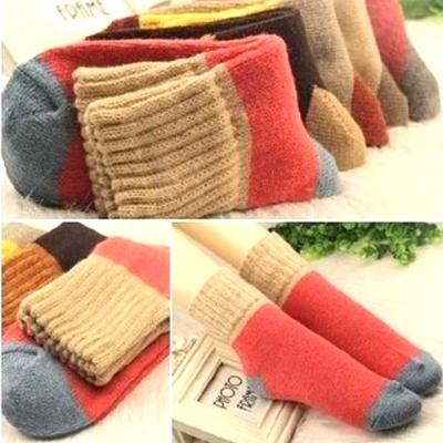 (售完停賣)《JMALL》秋冬保暖再升級 韓版撞色保暖毛線襪